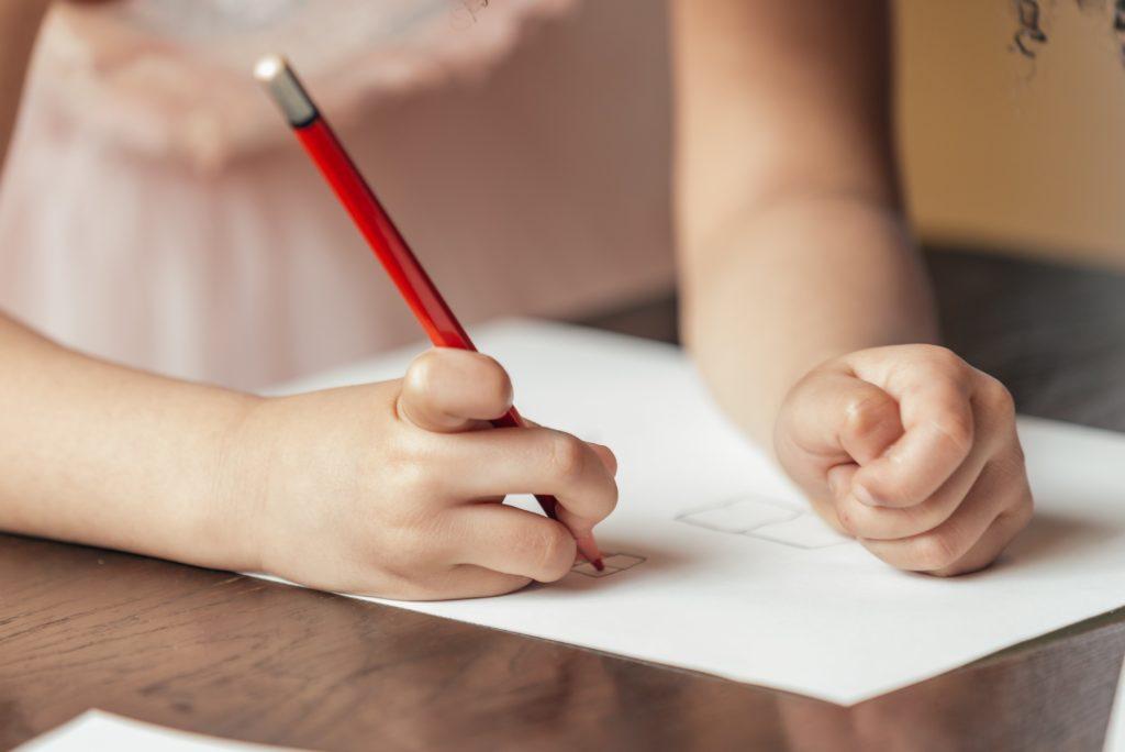 prescription médicale médecin maître maîtresse école orientation bilan psychomoteur rééducation besoin pathologies retard modalités développement suivi prise en charge séances